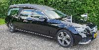 Mercedes rouwauto zwart