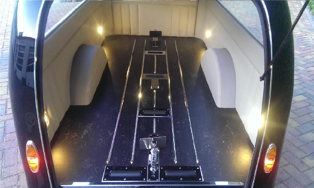Rouwaanhangwagen